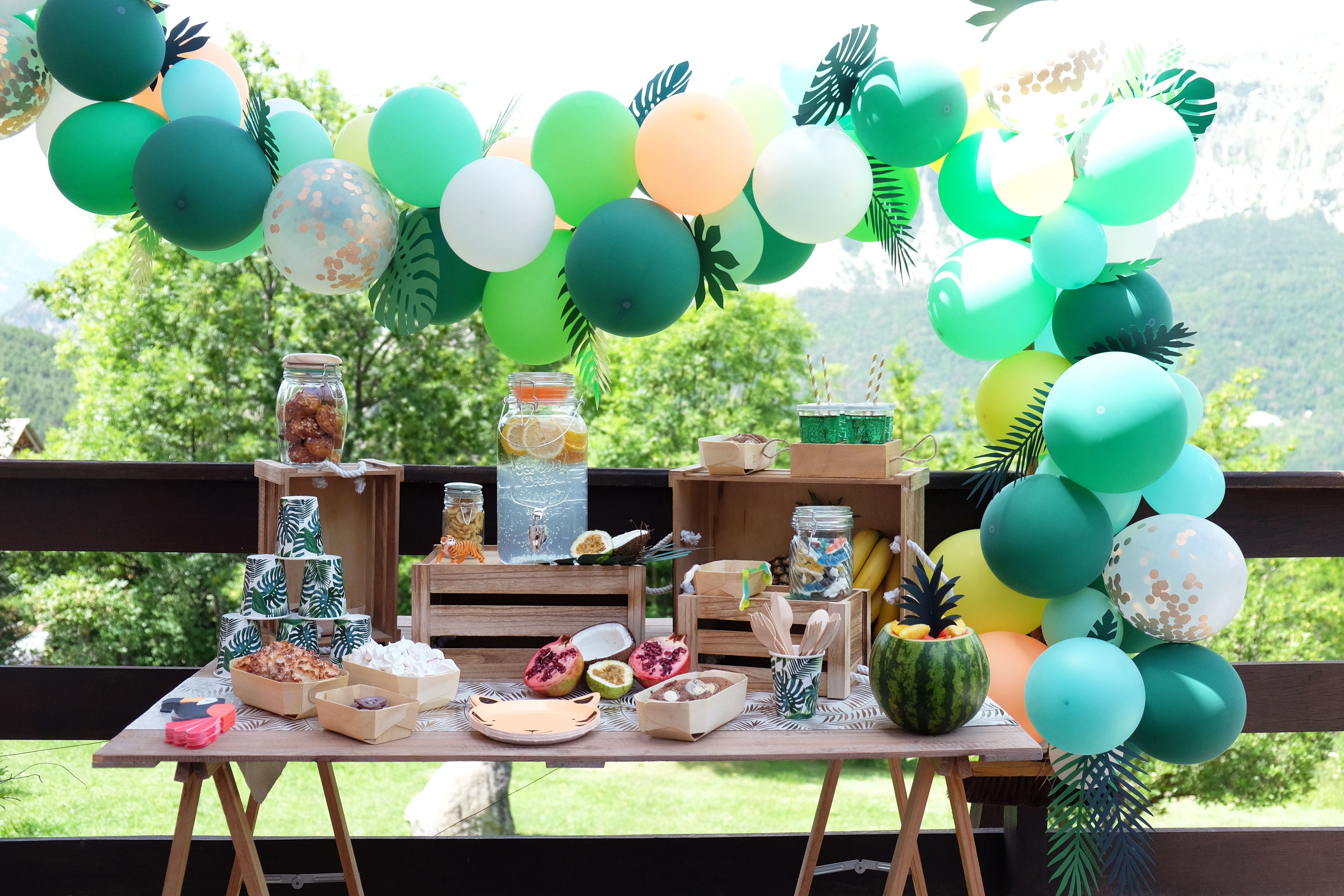 d coration anniversaire jungle arche ballons jungle birthday party jungle animals balloon arch. Black Bedroom Furniture Sets. Home Design Ideas