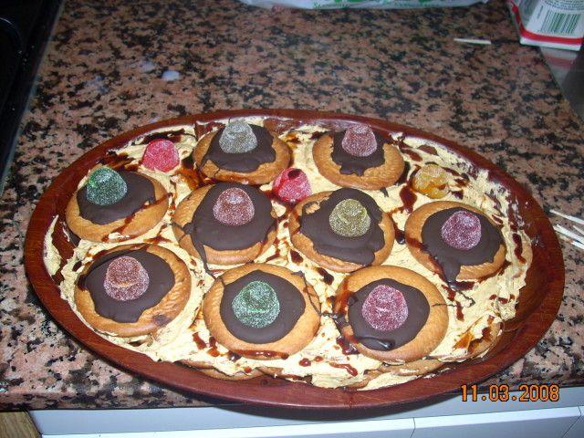 Tarta de galletas, moca y chocolate