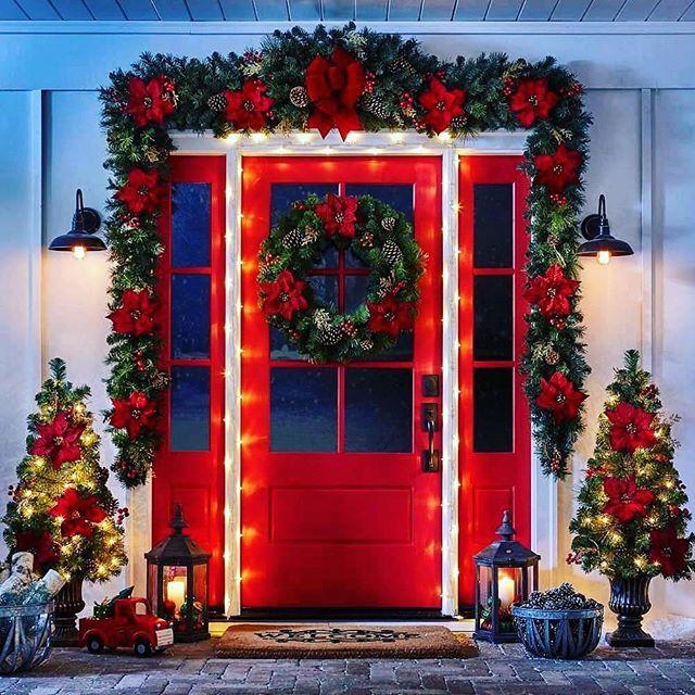 Pin De Rodriguez En Navidad Decoracion Navidena Puertas Decoradas De Navidad Decoracion Exterior Navidad