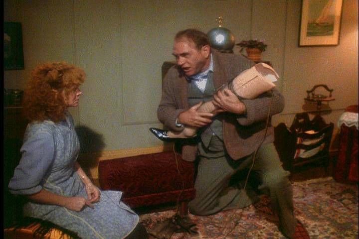 You Were Always Jealous Of This Lamp Jealous Of A Lamp Jealous That I Won Y Where To Glue We Christmas Story Movie Best Christmas Movies A Christmas Story
