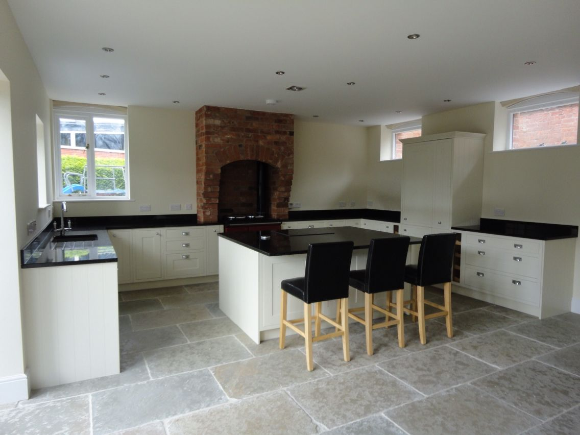 Limestone Flooring In Kitchen Howdens Kitchen Granite Worktop And Jaipur Limestone Flooring