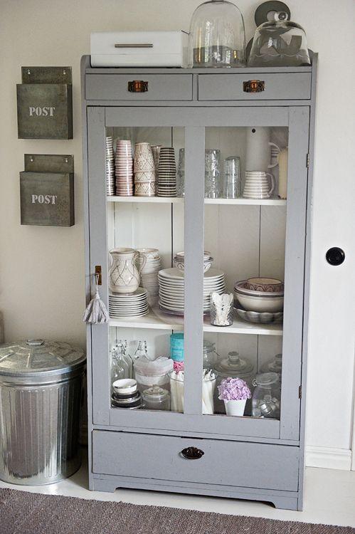 Images en vrac #bleu-gris La vaisselle, Petit vaisselier et Vaisselier