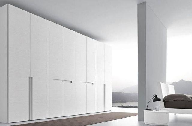 Holzschrank weisslack-minimalistisches design-ohne griffe presotto - schlafzimmerschrank weiß hochglanz
