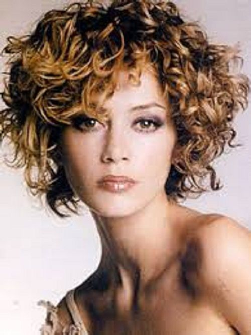 Short Curly Hairstyles for Women in the Middle Age