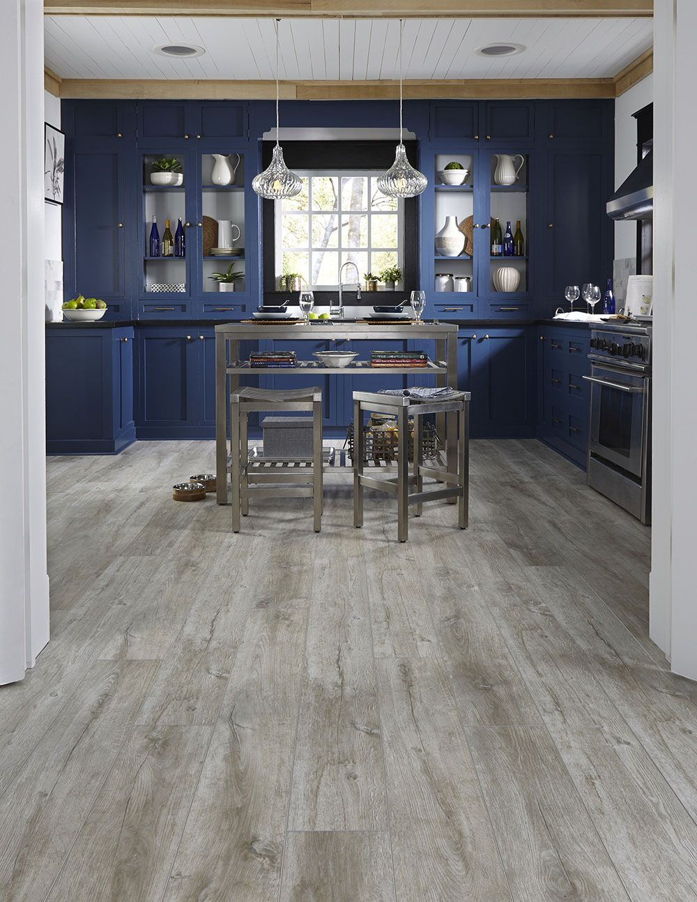 Adura Max Apex Aspen Is A Refined European Oak Look With Exceptional Character And Detail