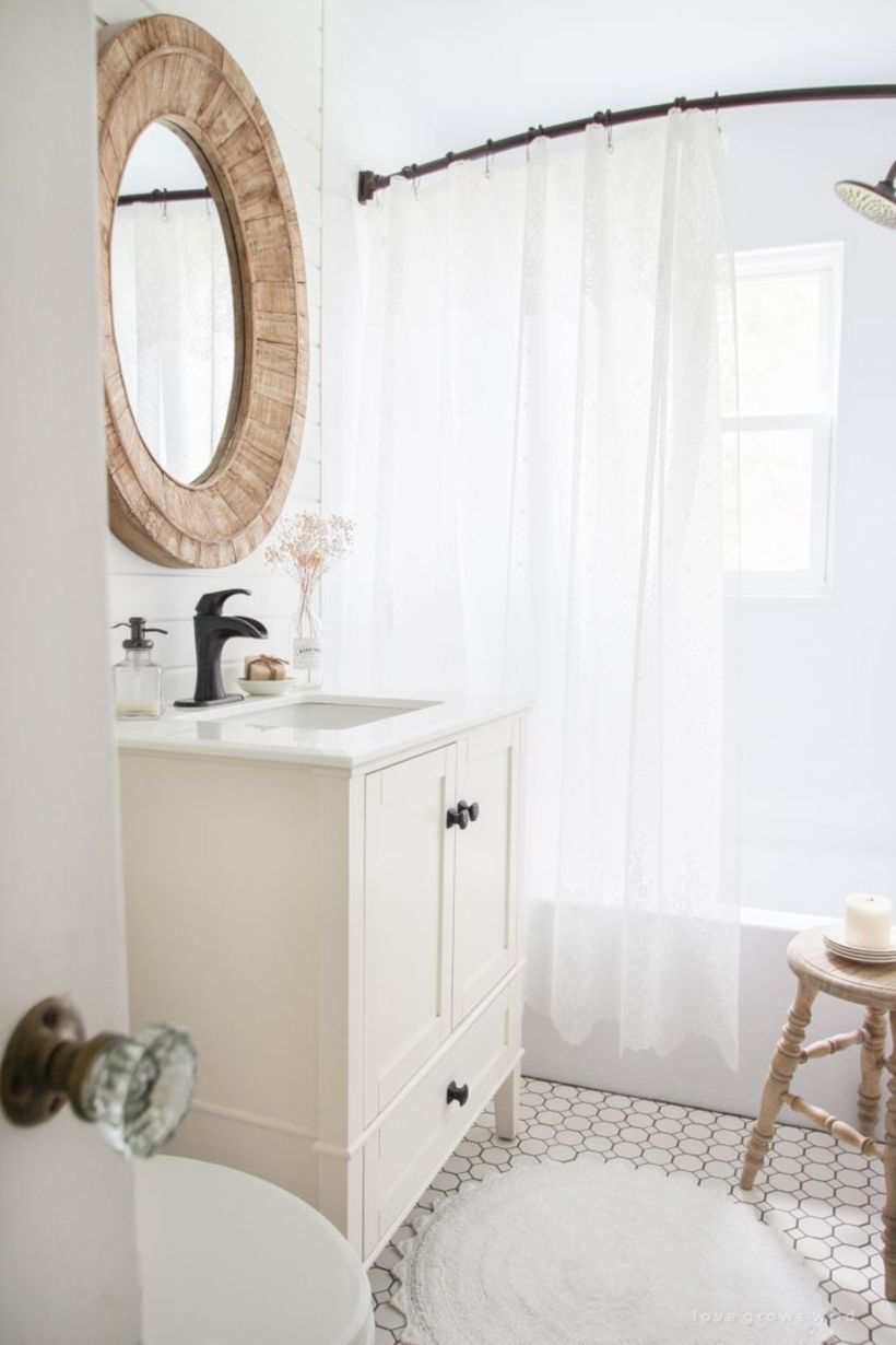 55 Farmhouse Bathroom Ideas for Small Space | Small spaces ...