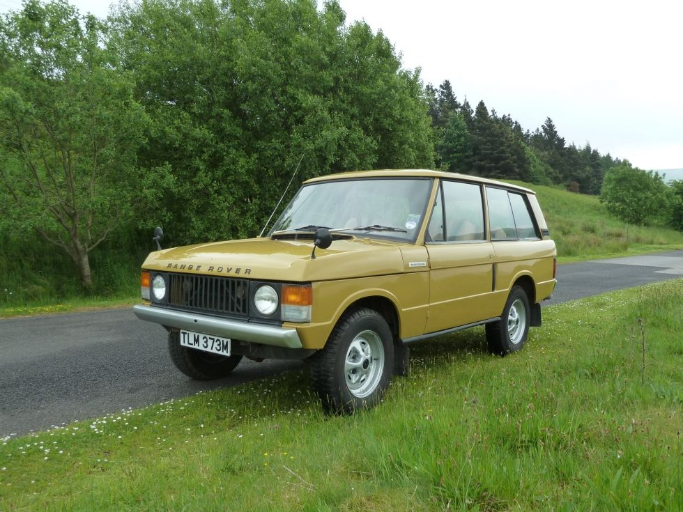 TLM 373M - 1973 Range Rover - 2 Door Classic - Bahama Gold - Land Rover Centre - Land Rover Centre