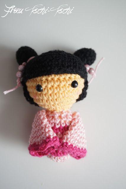 Frau Tschi Tschi Amigurumi Kokeshi Puppe Häkeln Anleitung