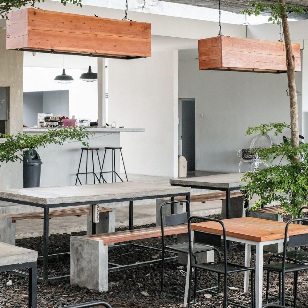 Kuliner Jogja On Instagram Waini Aku Punya Rekomendasi Tempat Nongki Hitz Di Jogja Ruangkerja Co Coffeeshop Favorit Yang Kopinya Home Decor Bar Table Decor
