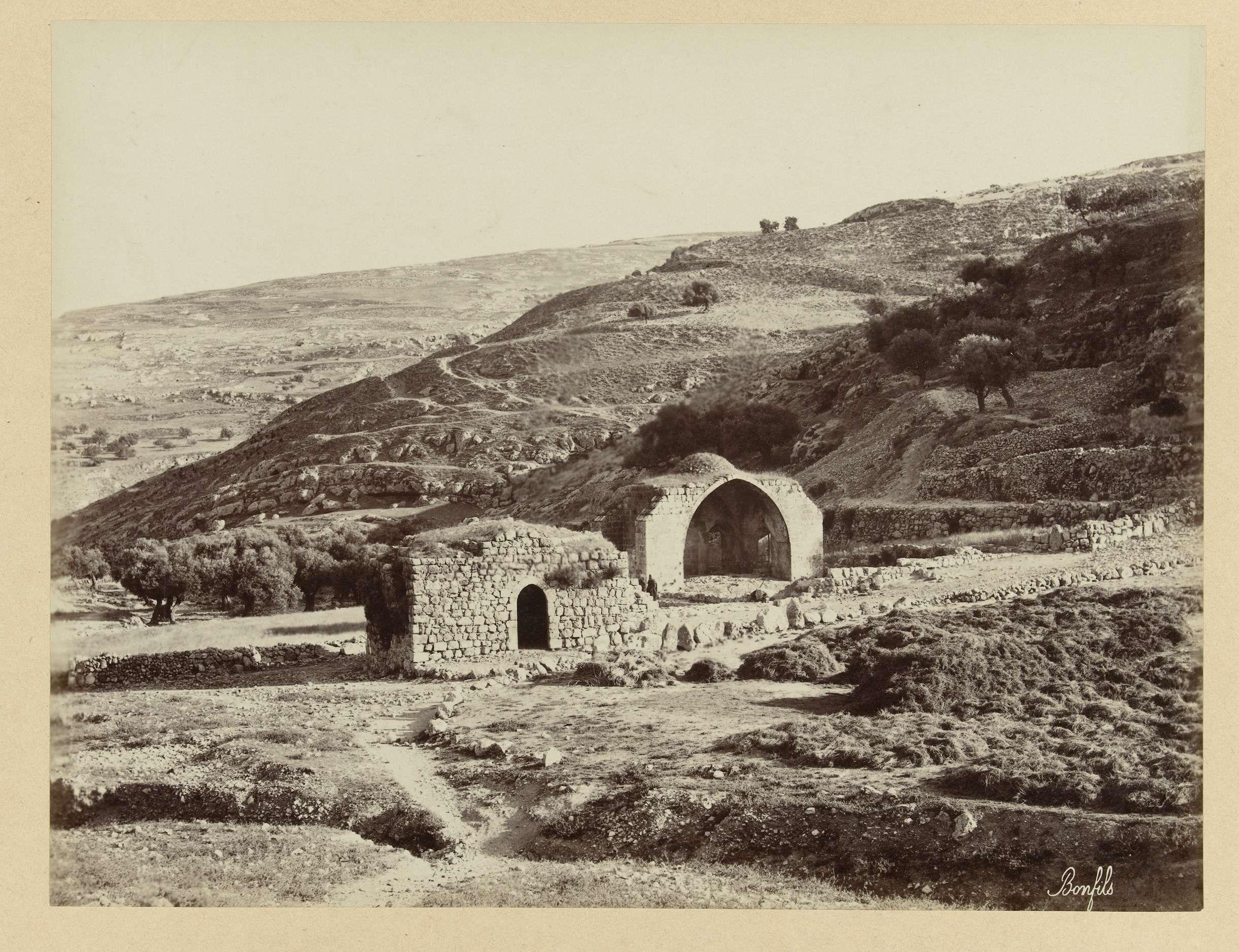 | Put van Job, c. 1895 - c. 1915 | De foto is onderdeel van de door Richard Polak verzamelde fotoserie uit Israël, Palestina en Syrië.