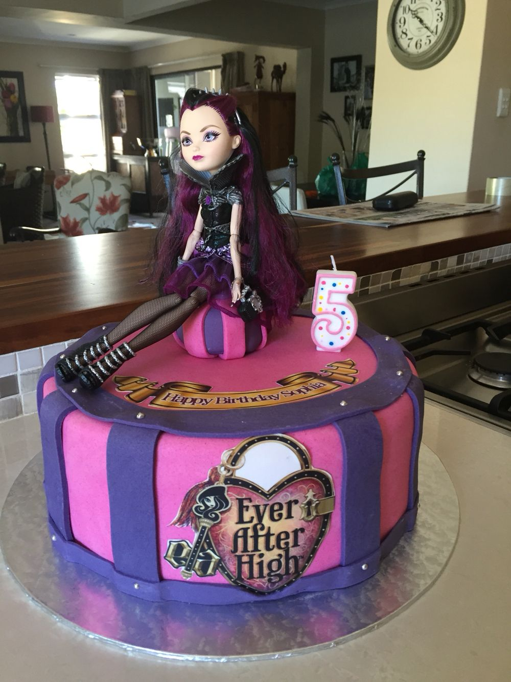 Swell Raven Queen Birthday Cake Ever After High Party With Images Personalised Birthday Cards Veneteletsinfo