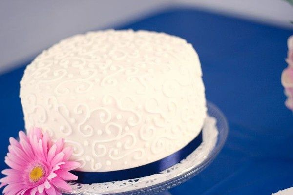1 of my 2 decorated wedding cakes. Sweetapolitas vanilla bean cake and vanilla bean frosting. Homemade marshmallow fondant. Royal icing decorations. All done by me. :) favorite-recipes-and-recipes-to-try foodstuff-i-love