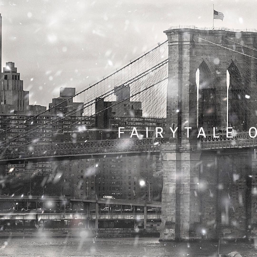 Fairytale of New York #whenallourdreamscometrue #christmas2018🎄 #christmas2018 #newyork #newyorkcity #nyc #brooklynbridge #lovenyc #christmasinnyc #whatsyourstory #luisayoung