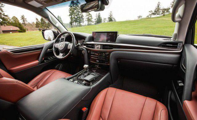2018 Lexus LX 570 interior view