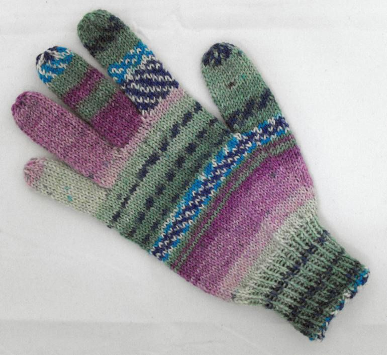 Adult Glove in Opal Schafpate 4 Ply