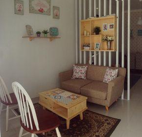 ruang tamu kecil bergaya klasik vintage | meja makan