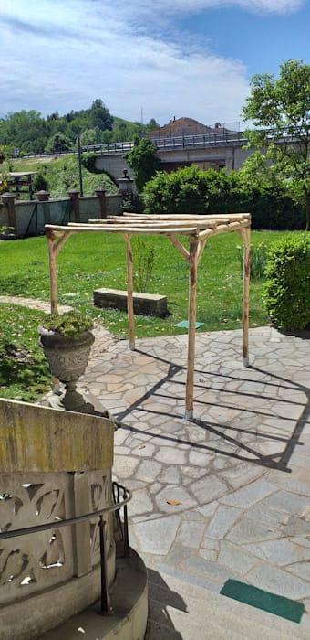 Photo of Pergola rustica indipendente in castagno scortecciato di Onlywood