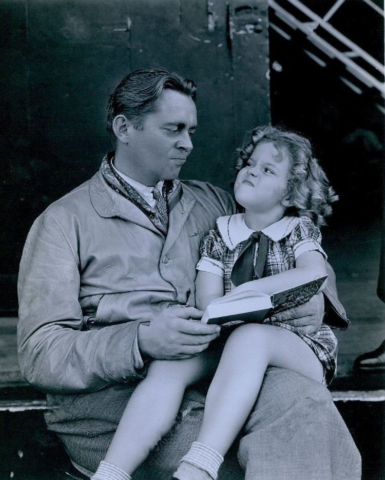 James Dunn And Shirley Temple Bright Eyes 1934 Shirley Temple Black Shirley Temple Movie Stars