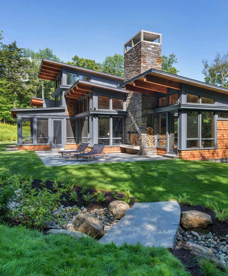 One Kindesign: A Vermont Mountain Getaway Nestled Into A Heavily Wooded