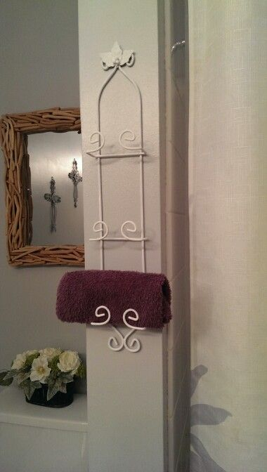 Repurpose: Old Decorative Plate Rack (was Black With Holly Motif) Repainted  White And