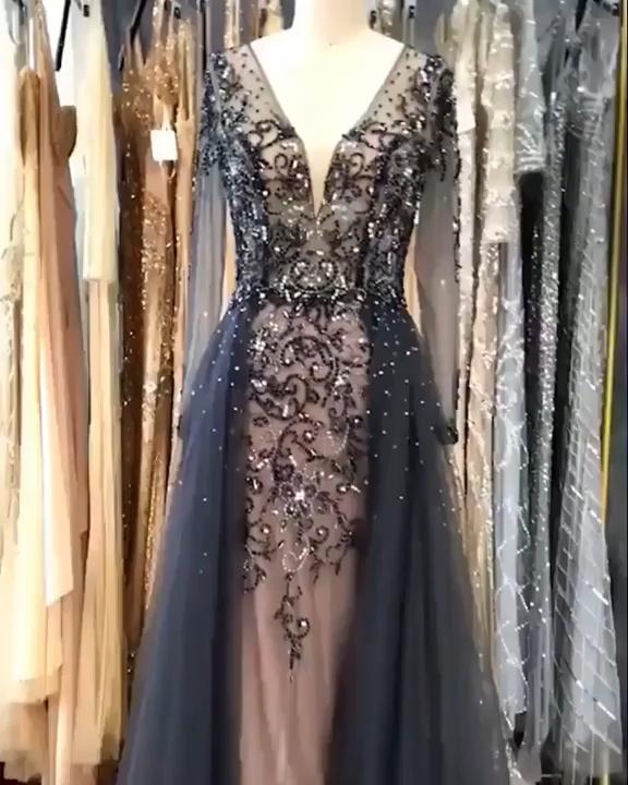 luxuriöse graue Ballkleider   – PROM dress