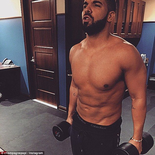Drake Flexes His Muscles At The Gym In New Shirtless Picture Drake