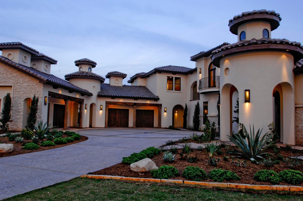 Mediterranean tuscan style home house mediterranean for Tuscan roof design