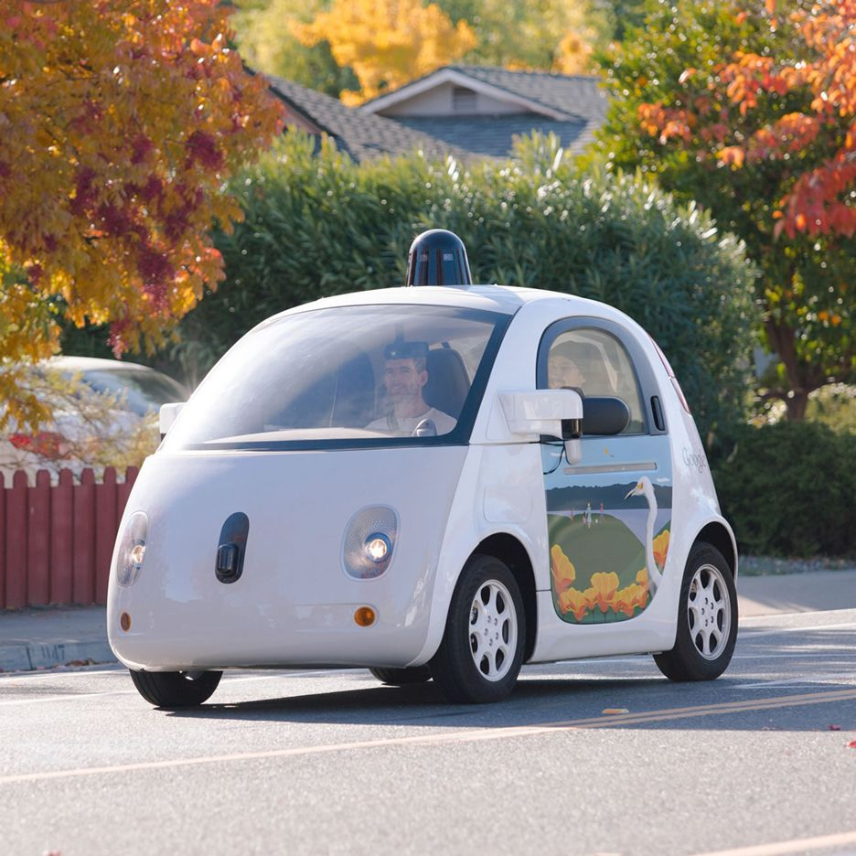 Google's selfdriving vehicle crashes with bus in