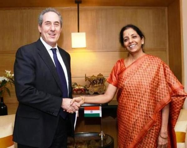 #India, #US explore ways to promote trade and #investment. For latest update visit at: https://goo.gl/Vfm02e