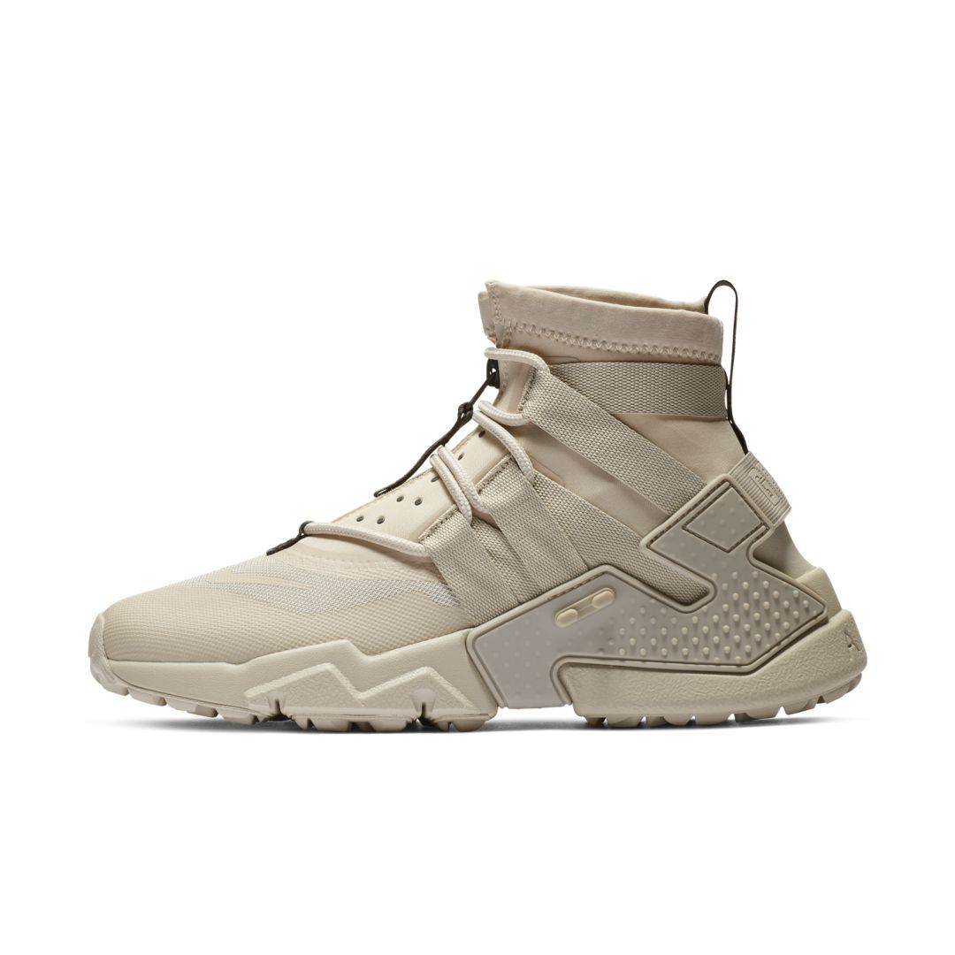 99b931a330c4 Nike Air Huarache Gripp Men s Shoe Size 7.5 (Desert Sand)