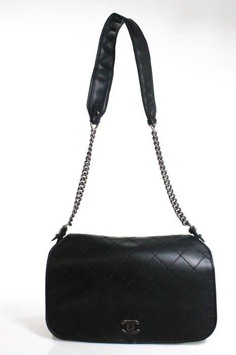 dbc27bd70f2e Chanel Black Paris-Edinburgh Highlander Calfskin Leather Messenger Handbag  New    2000.0