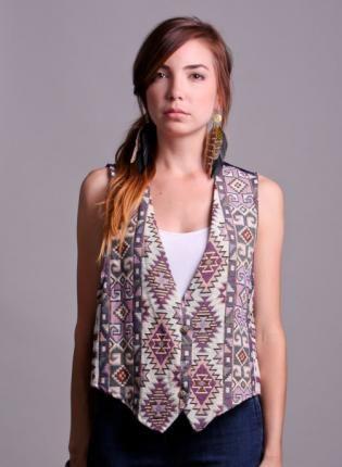 90's Tribal Print Vest | #bohemian #boho #hippie #bohochic #streetstyle #aztec #tribal #prints #geometric #ustrendy