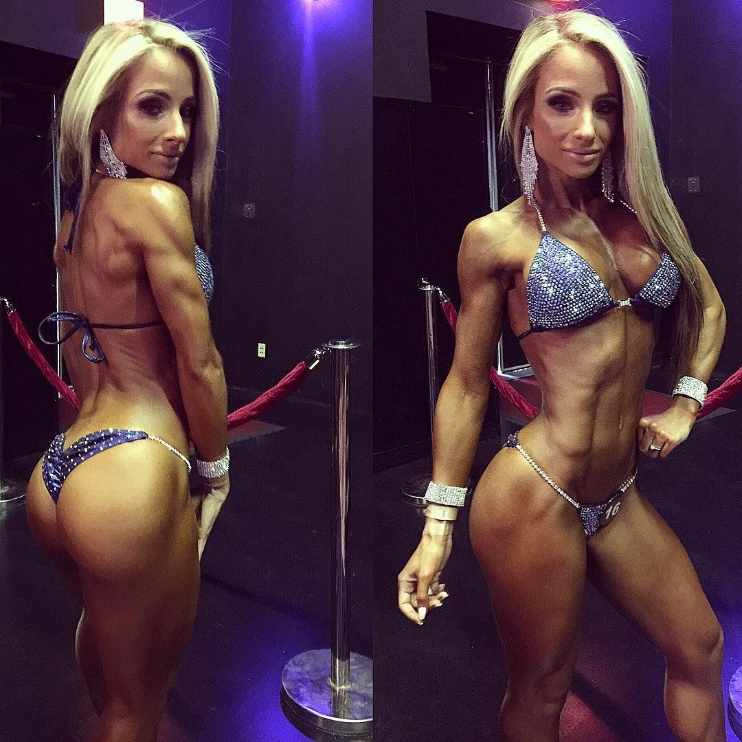 To compete in 5.5 weeks or not hmmmm planning my next move  Bikini: @ingridromerobikinis jewlery: @glamcompjewelry MUA: @vthemakeupartist