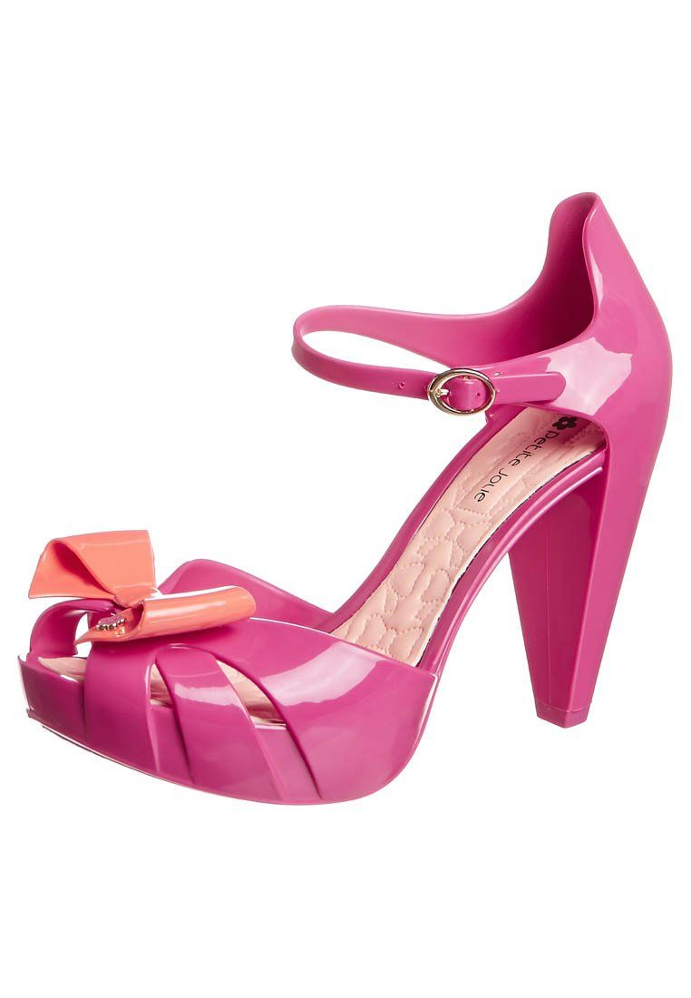 1f56fafb370 These look like Barbie Doll shoes - Petite Jolie