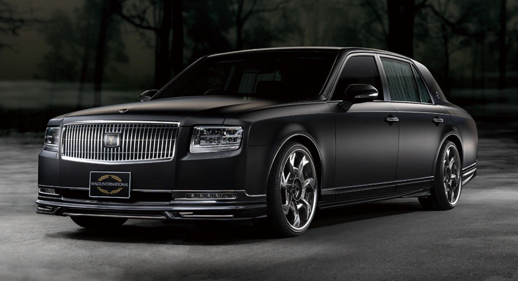 Not Even The Somber Toyota Century Can Escape The Wald Side In 2020 Toyota Century Wald Toyota