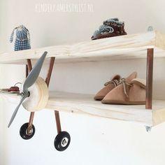 süßes flugzeugregal fürs kinderzimmer! mega schöne idee und ... - Kinderzimmer Deko Flugzeug