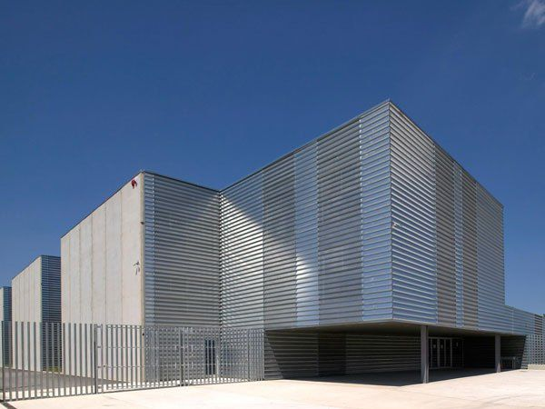 IES Vallvera, Salt. Highschool. Projects and works by Valor-Llimós arquitectura. #modern #architecture #girona #jaumevalor