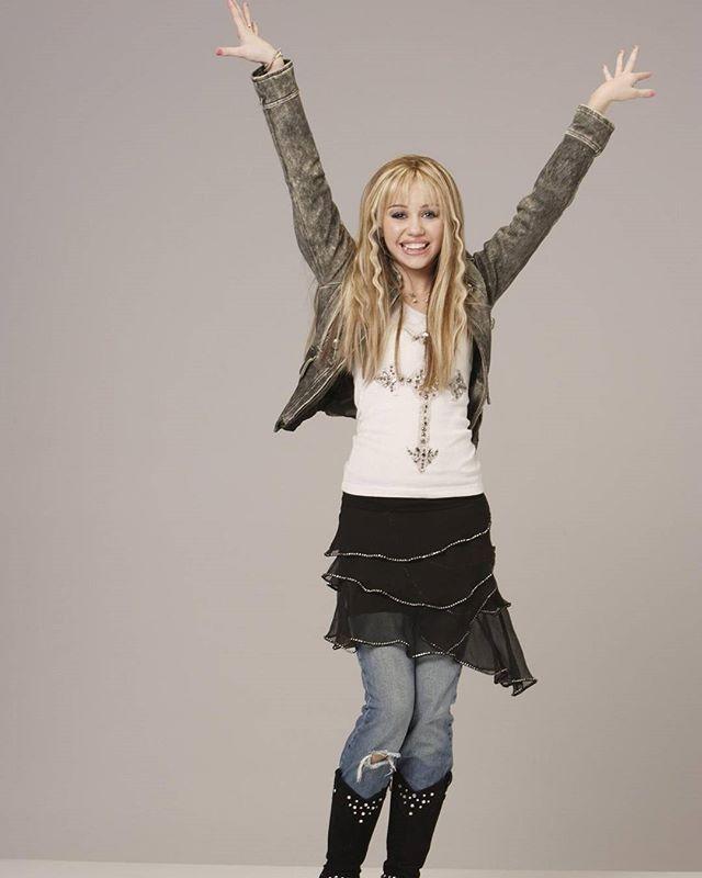 The Hannah Montana Marathon Has Started On Disney Channel Hannah Montana Hannah Montana Outfits Miley Cyrus