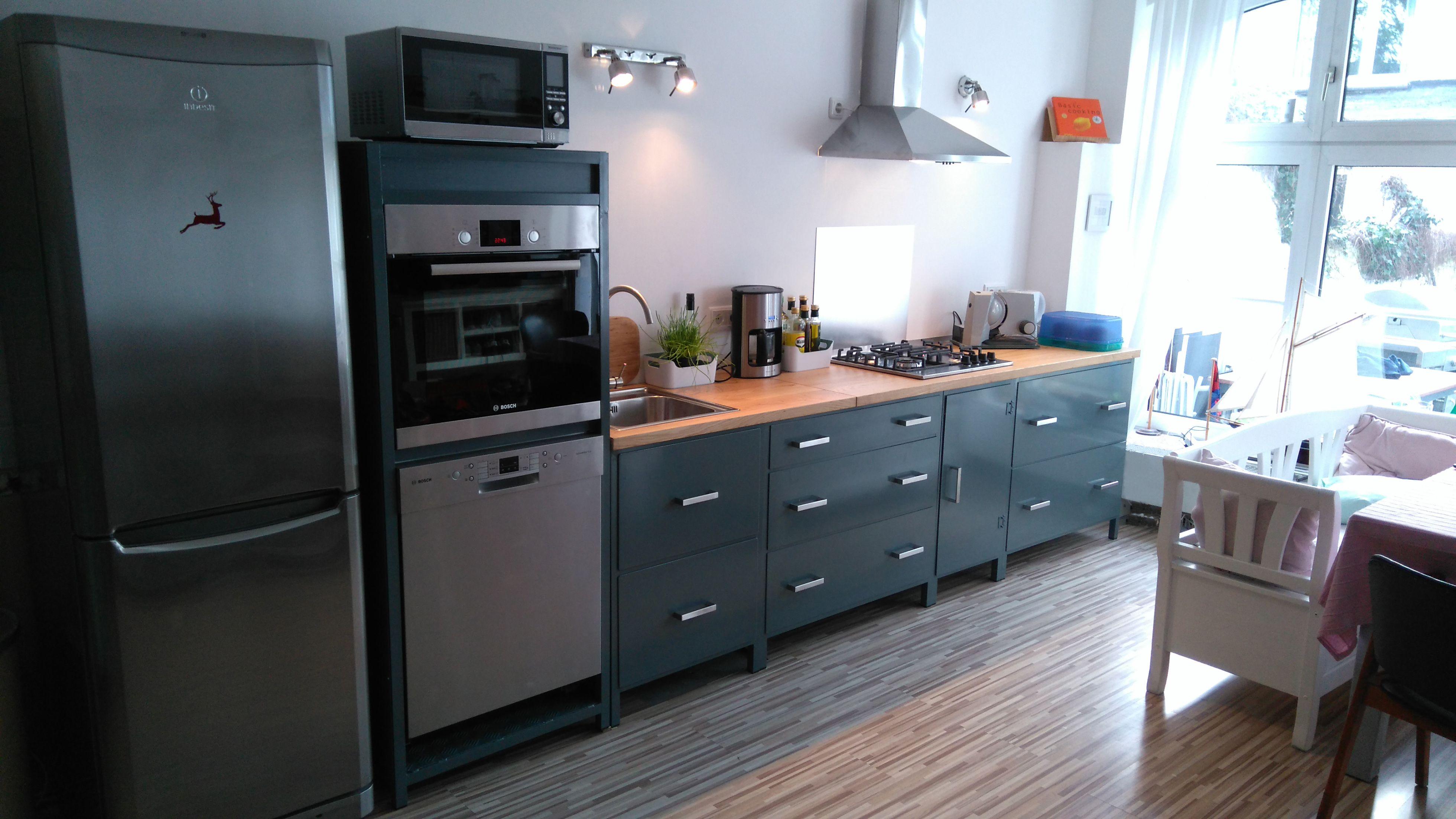 Hochwertige küchenmöbel  Hochwertige Küchenmöbel aus Aluminium. In der Optik angelehnt an ...