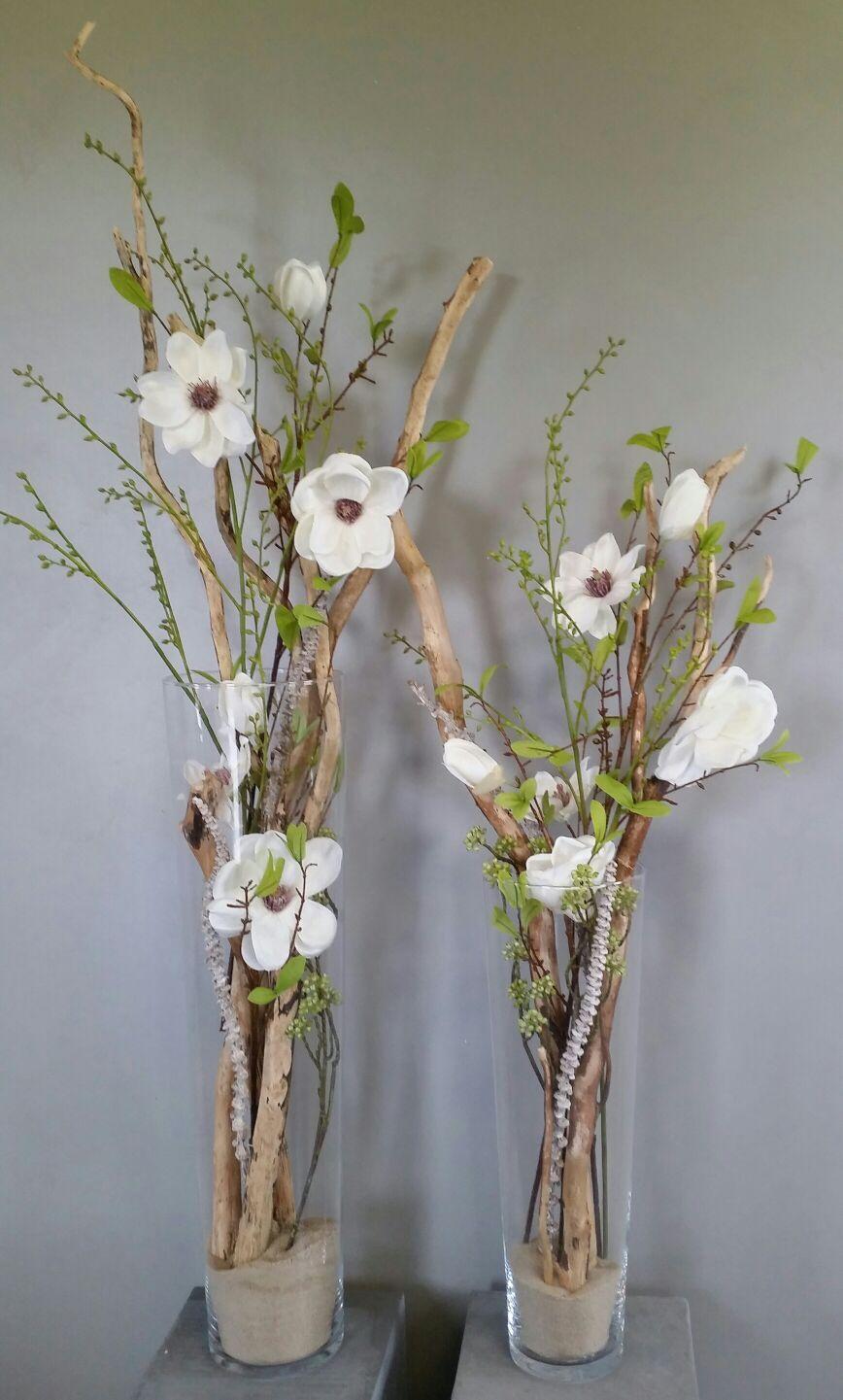 Zijde Bloemen En Decoratietakken In Smalle Glazen Vaas Mooie Combinatie Www Decoratietakken Nl Vaas Decoraties Bloem Ambachten Vazen Decoreren