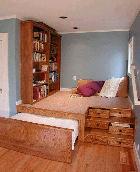 homey ideas twin bed with pull out bed. Such a great idea for guest bedroom in small home  Homey