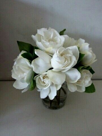 Pin By Naooo On Ab Wedding Flowers Flower Arrangements Gardenia Bouquet