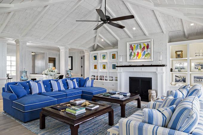House Of Turquoise Village Architects Beach Style Living Room Florida Beach Cottage Beach Cottages