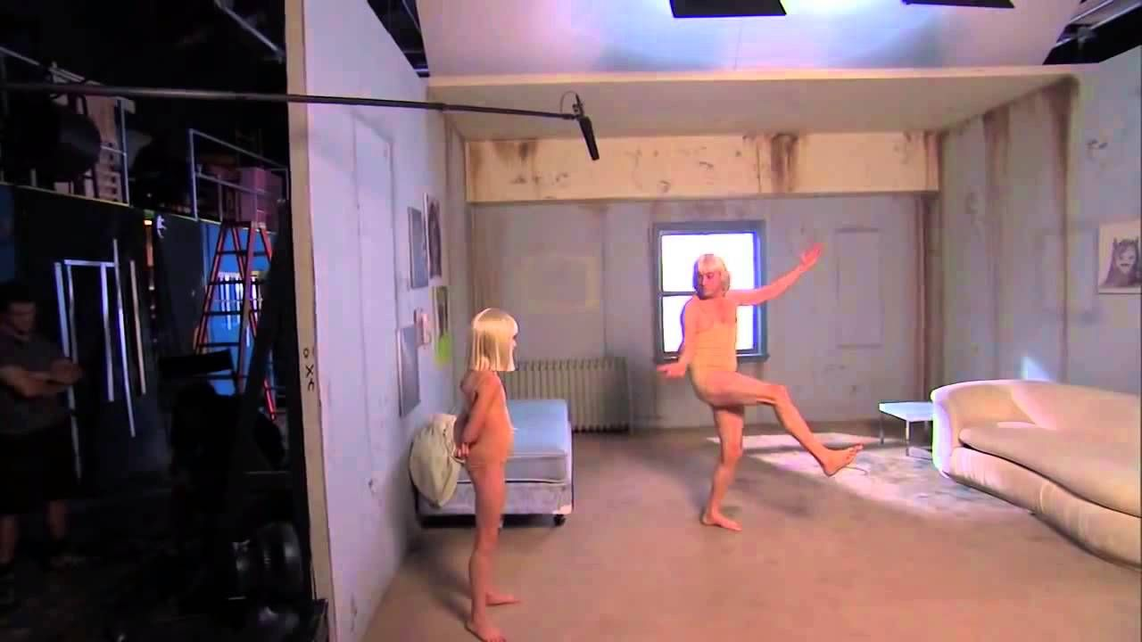 Jimmy kimmel and guillermo rodriguez learn sias chandelier dance jimmy kimmel and guillermo rodriguez learn sias chandelier dance arubaitofo Image collections