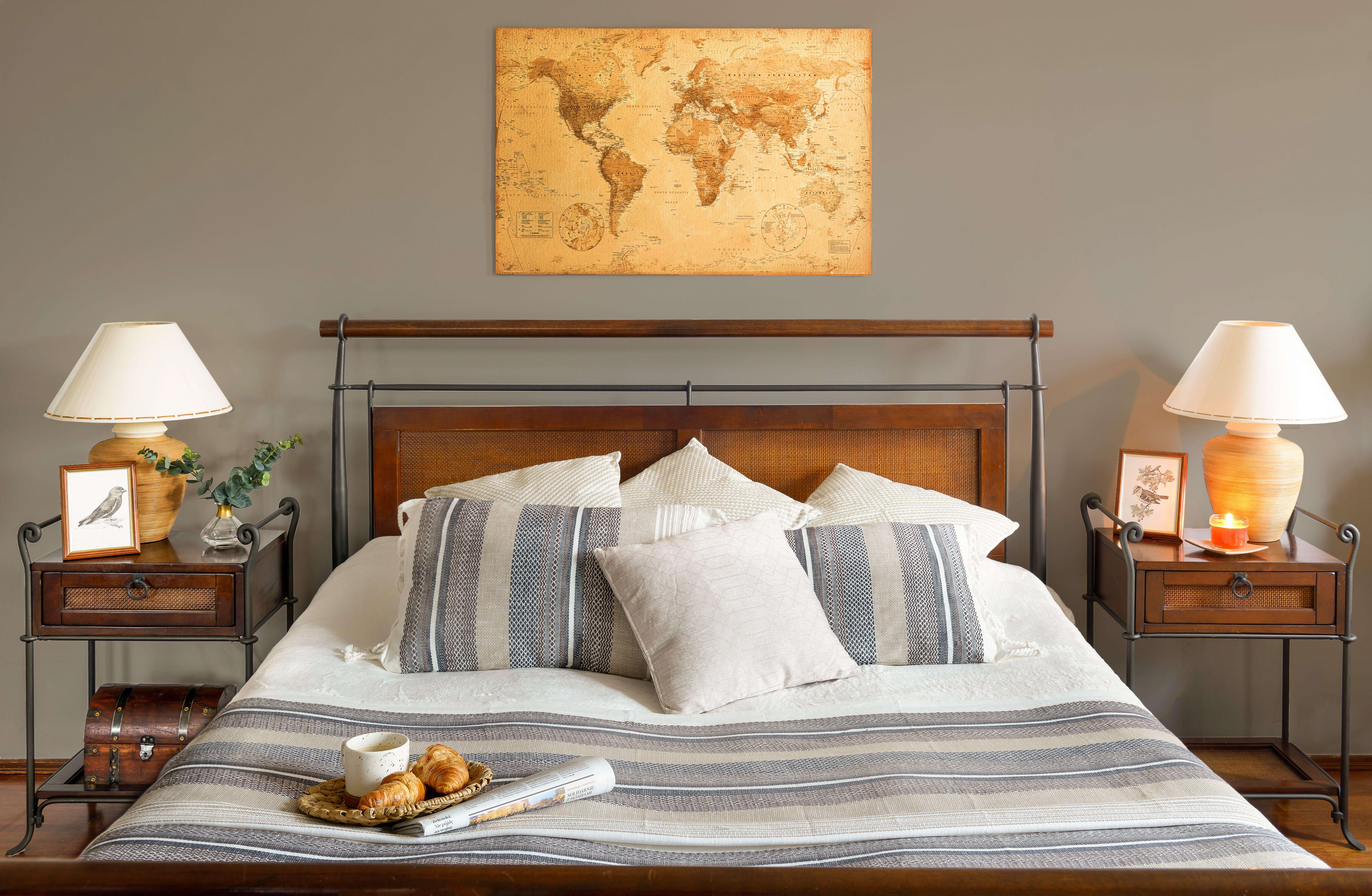 Leroymerlin Leroymerlinpolska Dlabohaterowdomu Domoweinspiracje Inspiracje Sypialnia Poduszka Koc Pled Tapeta Home Decor Home Furniture