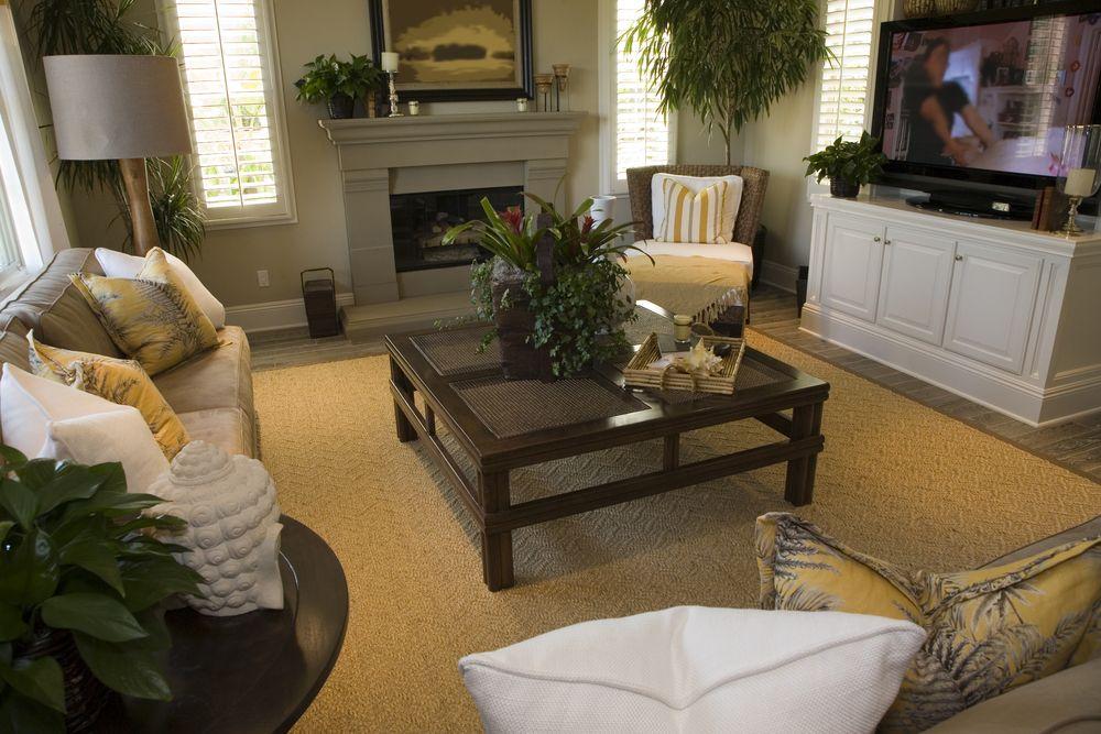 44 Amazing Small Living Room Ideas Photos Small Living Rooms Brown Living Room Living Room Designs