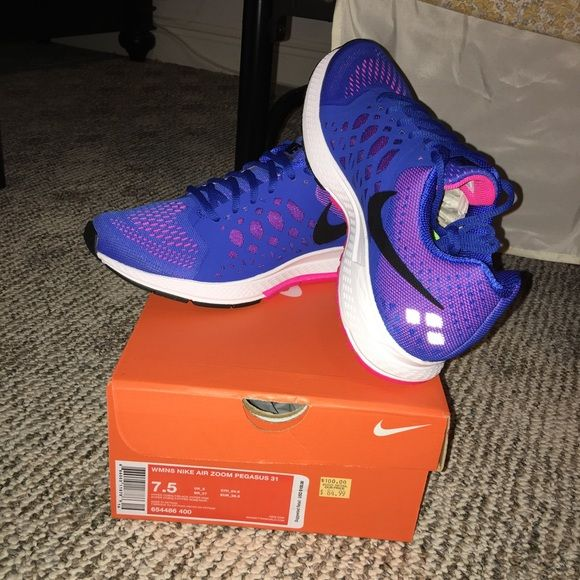 New Women Nike Air Zoom Pegasus 31 size 7.5 These Shoes are brand new in box still. They are a women's size 7.5. Nike Shoes Athletic Shoes
