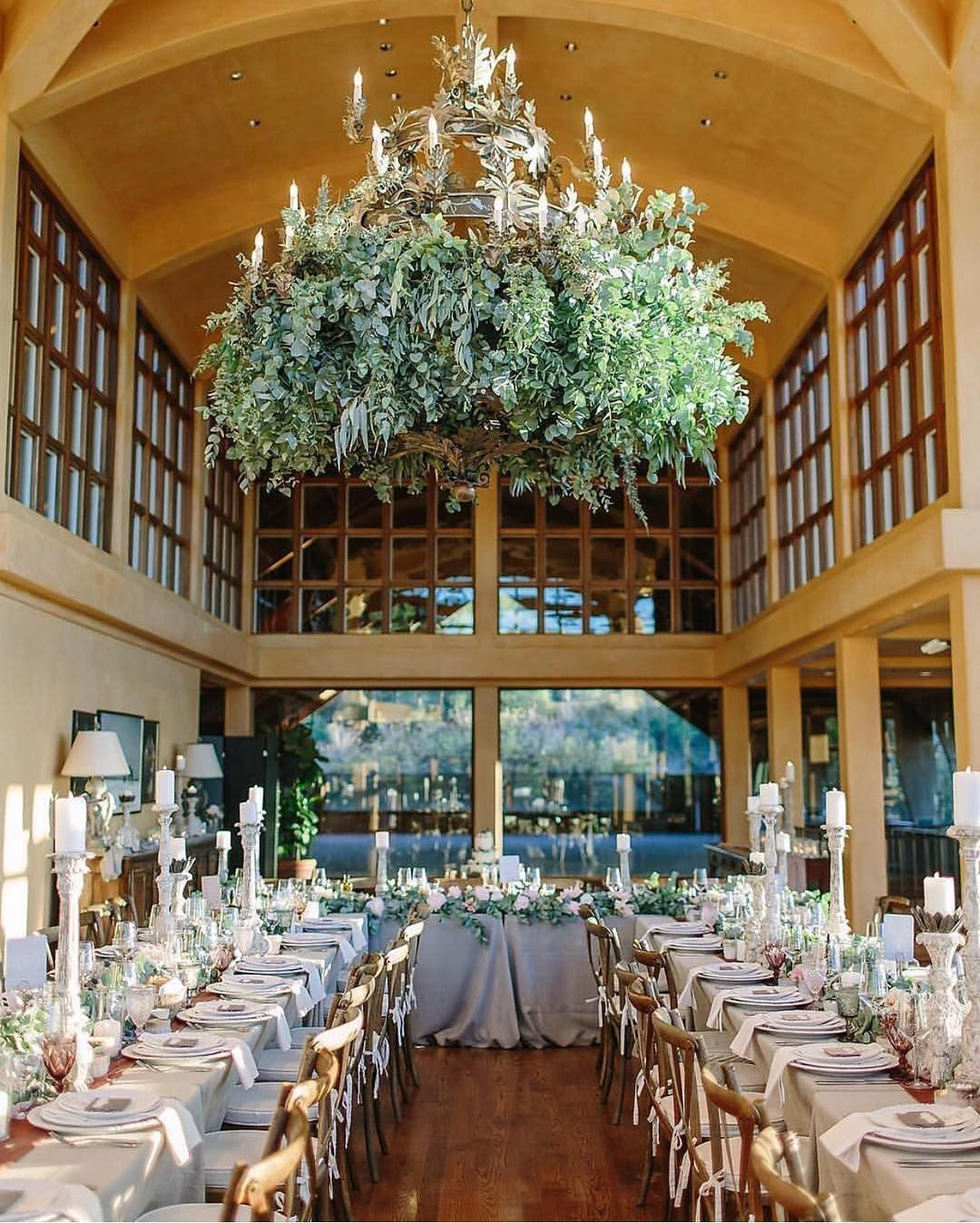 2 023 Likes 32 Comments La Tavola Fine Linen Latavolalinen On Instagram Heavenly Details From Ashleymauritsonevents And Revelfloral Table Decorations