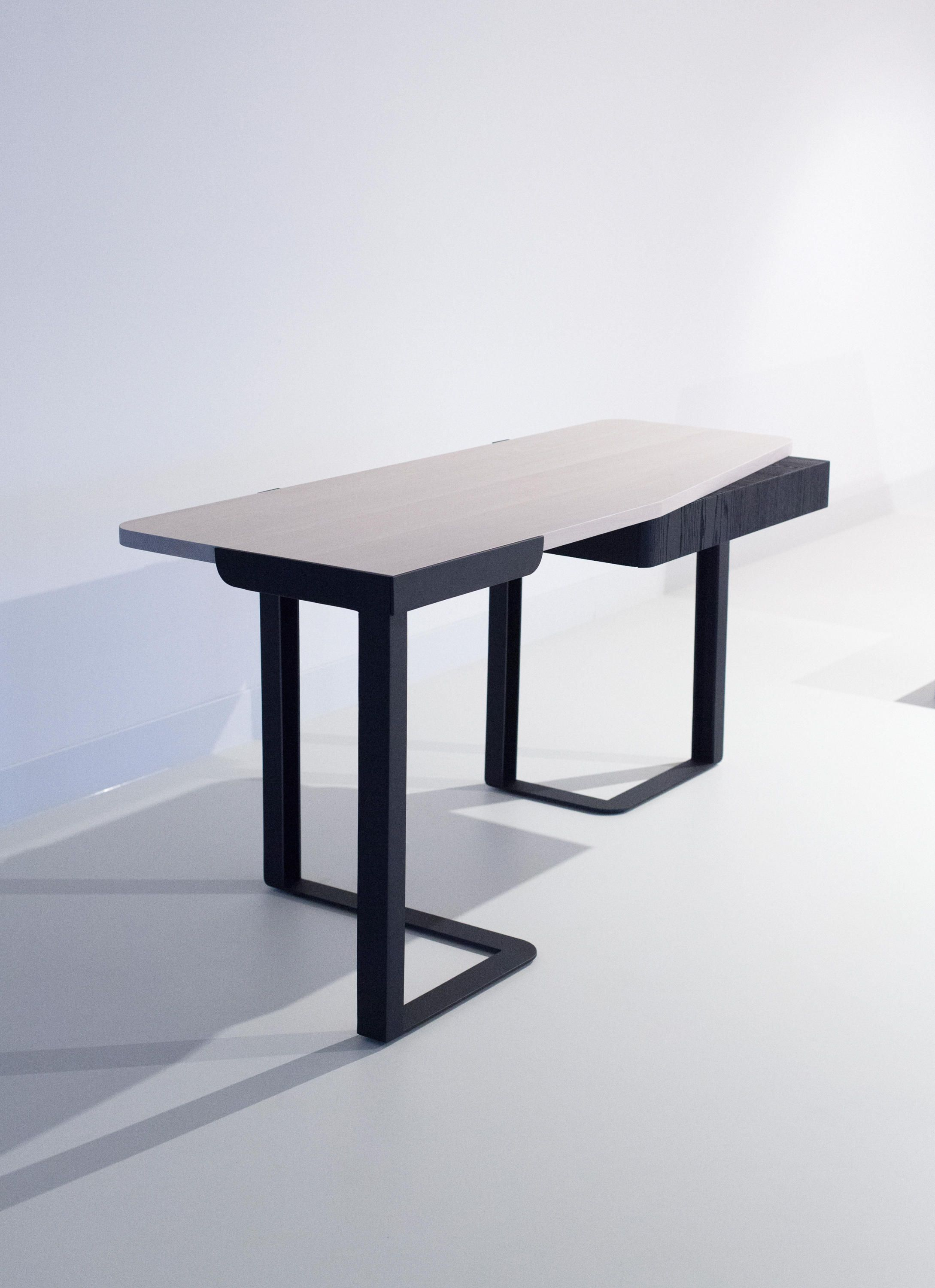 KITALE U2013 DESK   Designer Desks From Van Rossum ✓ All Information ✓  High Resolution