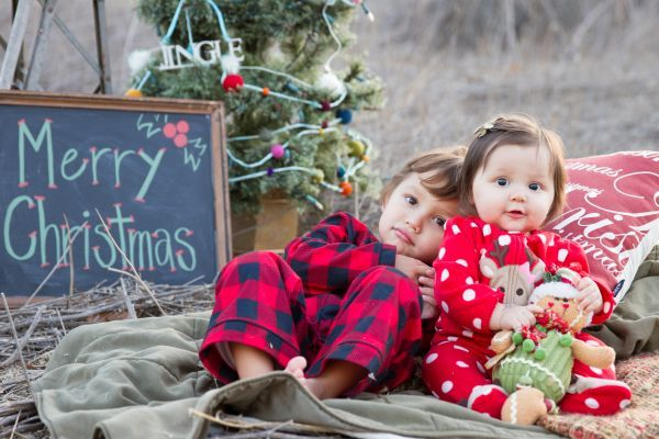 Inspired by a Family Christmas by Kylie Chevalier Photography   Inspire By ThisInspire By This